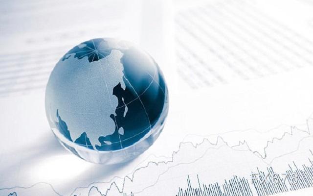 """紐市盤前:美元創32個月新低,黃金觸及一個月高位;馬克龍""""中招"""",避險模式仍盛行"""