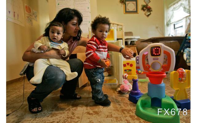 美國就業增長遲緩真凶現身:孩子若不開學,母親就沒法上班!